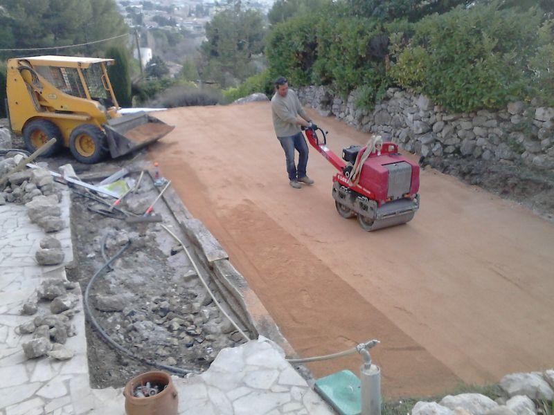 Construction terrain de p tanque marignane dans une for Quel gravier pour terrain de petanque